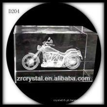 Motocicleta subsuperficial do laser K9 3D dentro do bloco de cristal