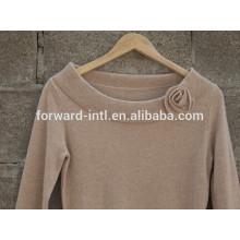 Nuevo estilo 2014 cuello redondo que hace punto la muchacha del suéter con la flor