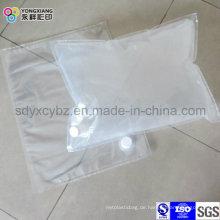 Weiße Transparente Tasche im Karton