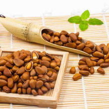 Factory Direct Selling High Quality Raw Pine Nuts