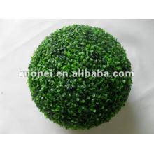 Bola de plástico artificial decorativo de la hierba