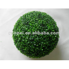 Bola de relva artificial de plástico decorativa