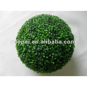 Boule artificielle en plastique décorative d'herbe