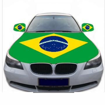 Крышка капота автомобиля с национальным флагом Бразилии