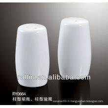 Le poteau de design élégant 2014 forme le shaker de sel et de poivre comme un ensemble