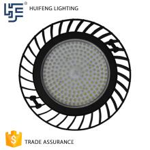 Le produit chaud universel haut de gamme adapté aux besoins du client de conception IP65 a mené la lumière élevée de baie