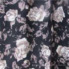 Tissu de vêtement de viscose rose imprimé à armure toile pour les femmes robe