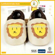 Zapatos de bebé de cuero verdaderos de la zalea genuina del patrón animal al por mayor de la alta calidad