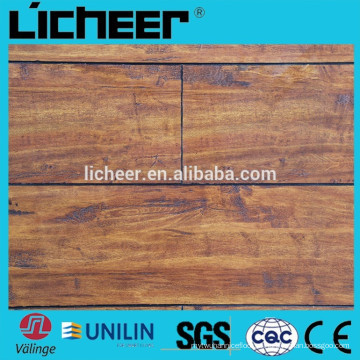 Piso de madeira imitado imerso revestimento de laminado clique fácil