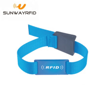 Pencetakan Logo Kustom Reusable RFID Nylon Wristbands