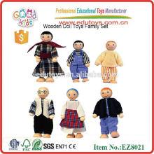 Brinquedo de madeira da família da boneca