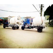 Mini camión del mezclador concreto del camión del mezclador concreto triciclo ampliamente utilizado con capacidad de 1.5CBM