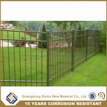 Черный кованый металлический забор