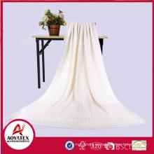 Manta tejida a ganchillo hecha a mano de punto suave y confortable