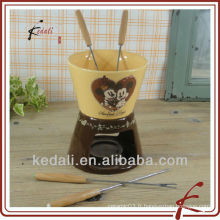 Ensemble de fondue de chocolat en céramique coloré