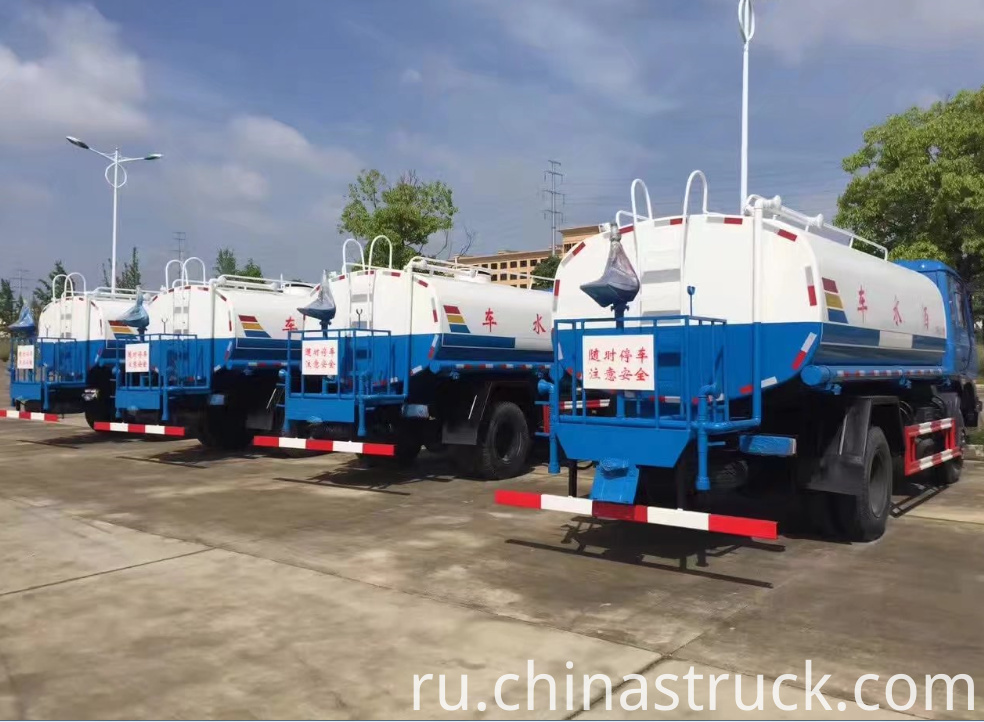 Street cleaning water truck 10000 liters