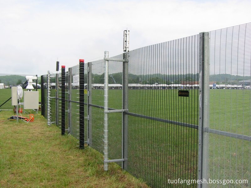 3510 mesh panels fence