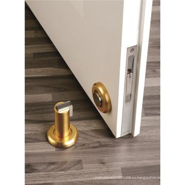 Tapón de puerta metálico montado en puerta