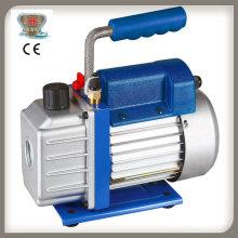 Pompe à vide compacte rotative à un étage