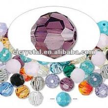 Peças coloridas da jóia, grânulos de cristal
