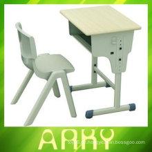 Verstellbarer Schultisch und Stuhl Set