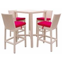 Cadeira de jardim e mesa de vime de jardim ao ar livre