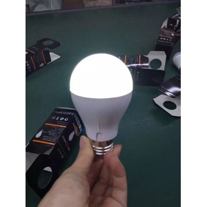 7W rechargeable Intelligent Emergency LED ampoule lampe