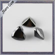 Piedra sintética negra de forma trillante