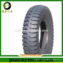 pneu de moto tubeless avec bonne qualité fabriquée en Chine
