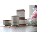 Vela de cerámica blanca del tarro de la boda con la caja a granel