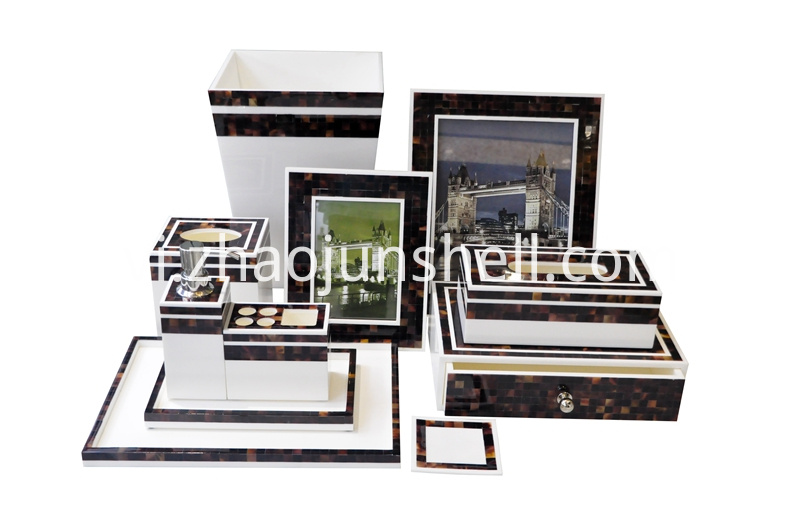 Shell Mosaic Bathroom Set with Brown Pen Shell