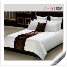 Roupa de cama branca pura Logotipo bordado feito sob encomenda Algodão Hotel Bedsheet