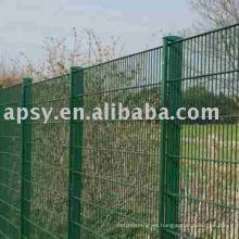 La cerca de la malla de alambre para los animales del campo cerca la cerca del jardín