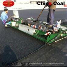 Máquina pavimentadora de caucho de camino para la pista de plástico