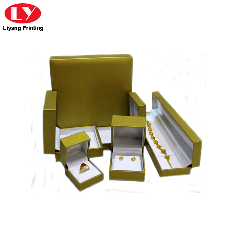 Plastic Paper Packaging Suits Box For Jewelry