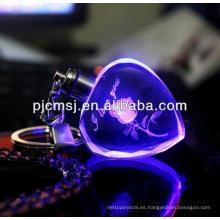 Nueva moda mejor venta 3d grabado láser personalizado imagen y logotipo cubo de cristal llavero para el regalo de negocios