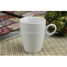 Porcelana al por mayor taza de vasos de cerámica blanca a granel y platillo