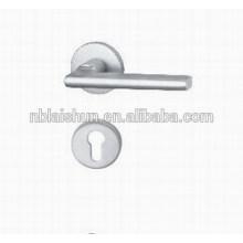 Pièce de poignée de porte coulée en aluminium haute qualité