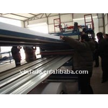 Farbe-Stahl Sandwich Panel Forming Line