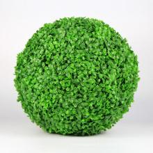 Cerca del jardín de la pelota de hierba artificial natural del nuevo diseño para la decoración