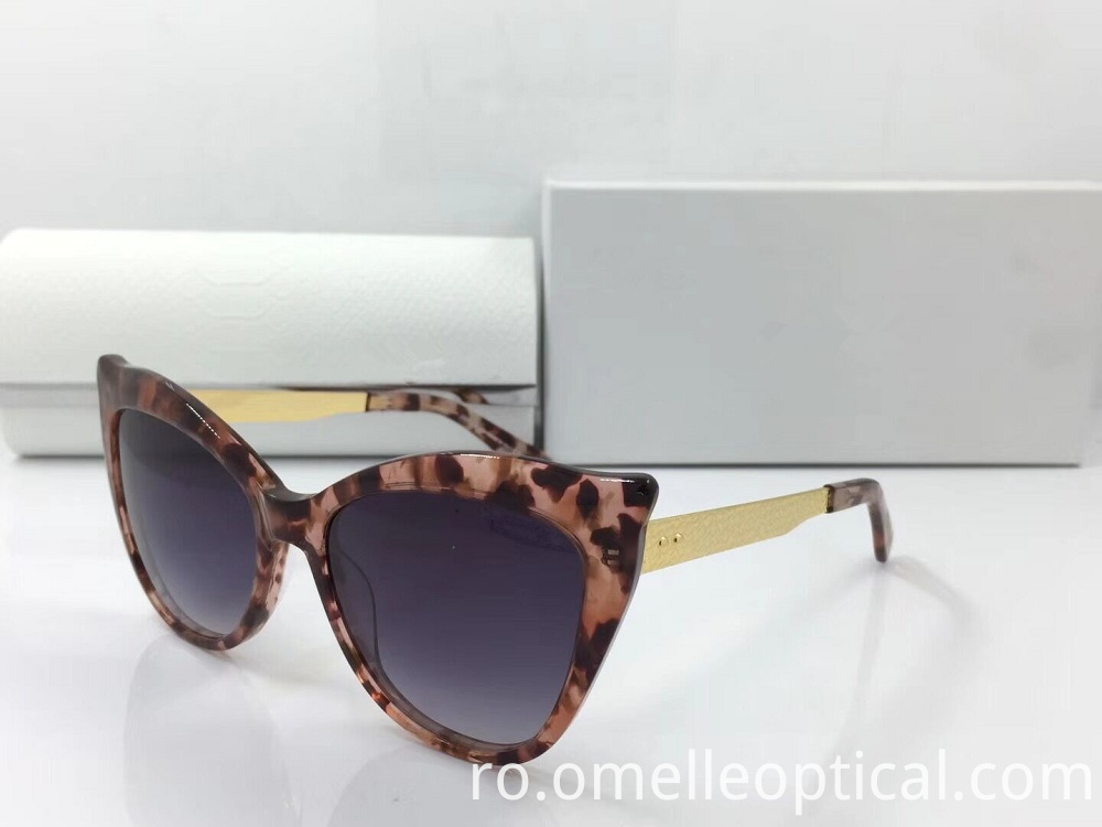 Uv Protected Cat Eye Sunglass