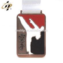 deportes metalúrgica por encargo trofeo de karate y la medalla con cordón de sublimación