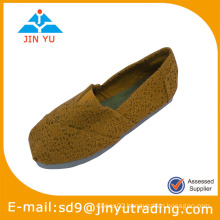 Women closed toe shoes