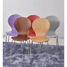 Stacking Bentwood Restuarant Chairs en venta