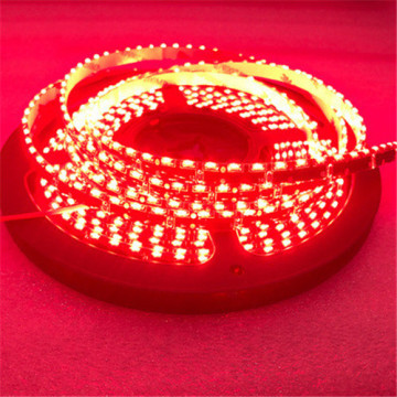 Bande lumineuse LED simple PC rouge