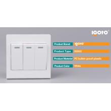 Igoto 3 Gang británicos estándar Sockets y Switch Fabricantes