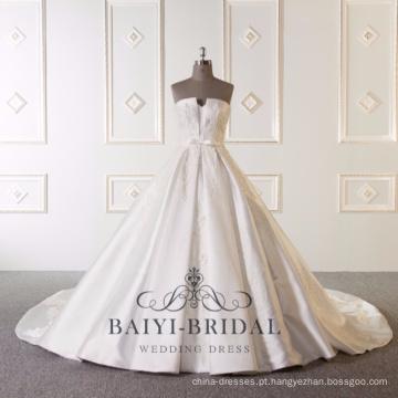 Atacado de luxo bordado belas fotos vestido de casamento sem alças de cetim vestido de baile branco