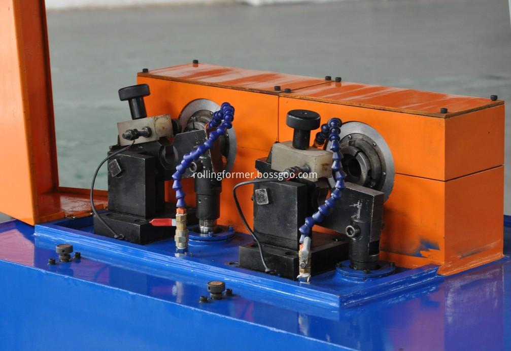 pipe locing machine