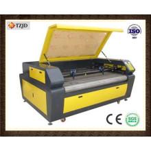 Máquina de gravação automática de laser de tecido