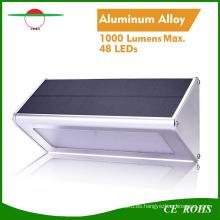Nuevo sensor de radar de luz solar 48 LED de aleación de aluminio IP65 Lámpara de pared montada en el exterior de alto brillo de la calle Lámpara de seguridad solar nocturna